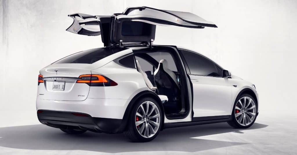 Tesla Model X - The First Electric Tow Car